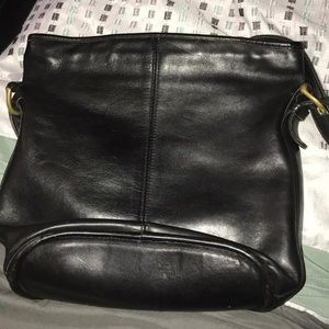 Vintage Bleeker Coach shoulder pocketbook